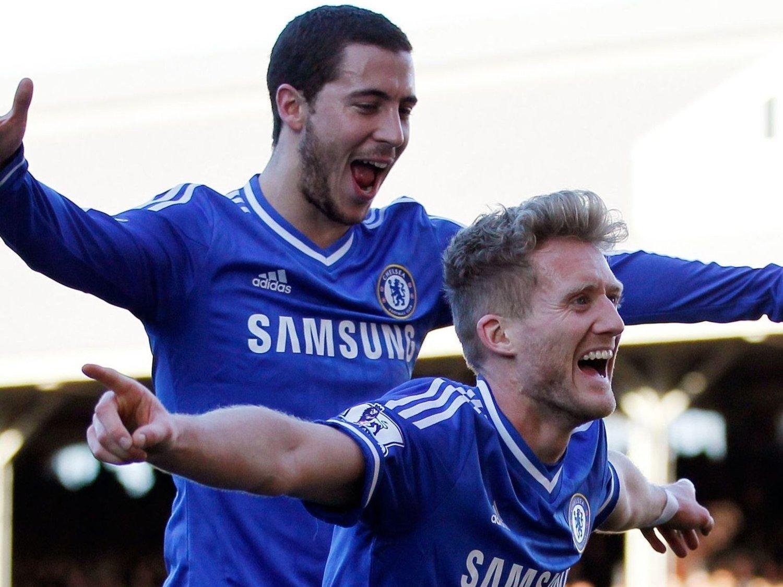 DRØMMEDUO: Eden Hazard hylles etter at han holdt lekestue mot Fulham. Andre Schürrle var ikke mye dårligere med tre mål.