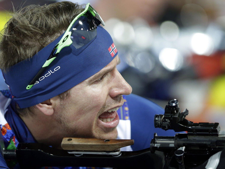 BOMMET: Emil Hegle Svendsen bommet en gang på siste skyting og måtte se en trio stikke fra i kampen om seieren.
