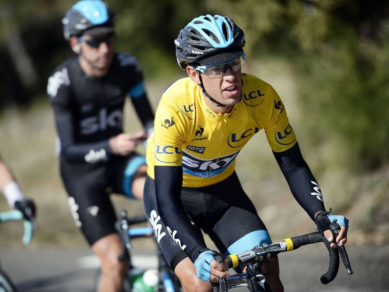 TREKKER PORTE: Team Sky har valgt å trekke fjorårets vinner av Paris-Nice, australske Richie Porte, fra årets utgave. Her sykler han med ledertrøyen under fjorårets utgave.