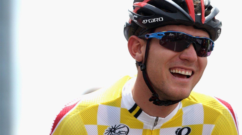 Den amerikanske BMC-rytteren Tejay van Garderen måtte stå av etapperittet Paris – Nice på sykkel allerede på åpningsetappen søndag.