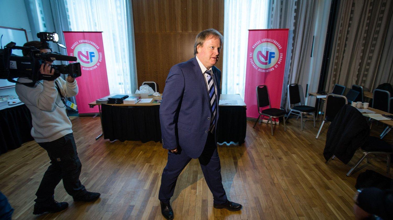 Fotballpresident Yngve Hallén medgir at forslaget om å flytte forsikringsutgiftene for ungdom over på klubbene var for dårlig forankret i fotballfamilien, men NFF-styret fremmer trolig forslaget igjen neste år.