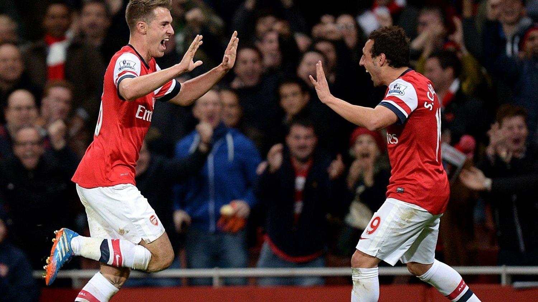 FORLENGER: Aaron Ramsey og Santi Cazorla har skrevet ny kontrakt med Arsenal.