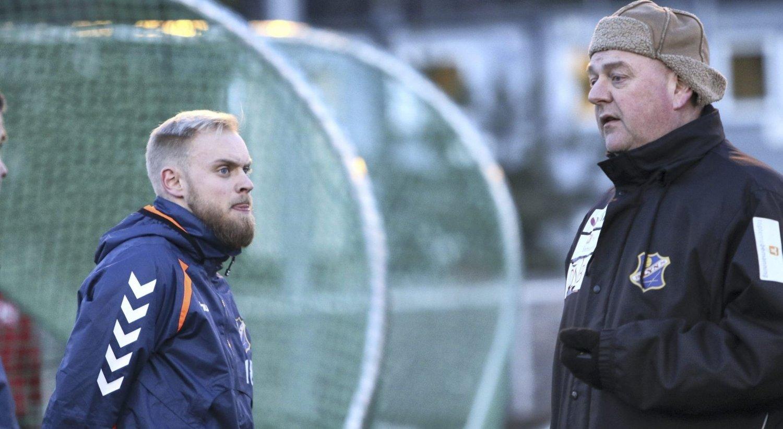 TRENERTEAMET: Spillende hjelpetrener Jonas Rygg og trener Finn Bredo Olsen forbereder seg til ny sesong.Foto: Andreas Lindbæk
