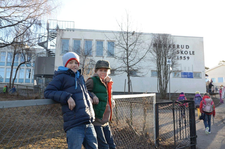 TIL NORDSTRAND: Bjørn Støle Almlöf og Eivind Aastorp går i 5. klasse og skal nå gå to år på Nordstrand skole.