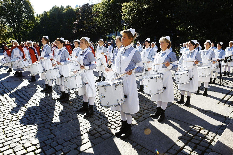 Her spiller trommekorpset i Spikersuppa i anledning Sykepleierforbundets hundreårsmarkering i 2012.