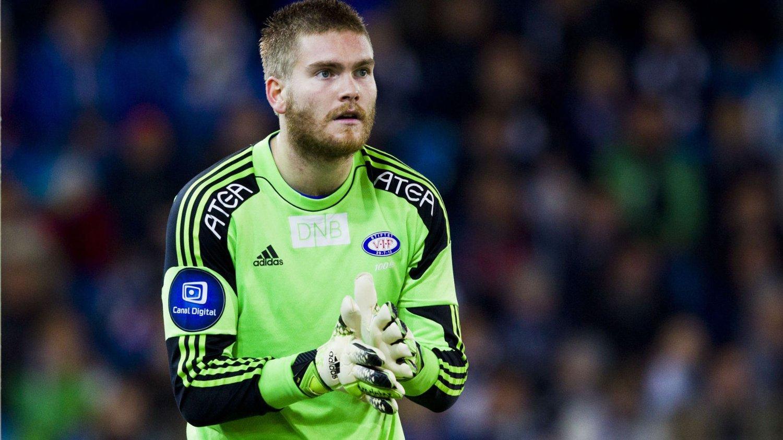 VRAKET: Gudmund Taksdal Kongshavn er skuffet etter at han er blitt degradert til reservekeeper i Vålerenga. Michael Langer satsets nå på som klubbens nye førstevalg.