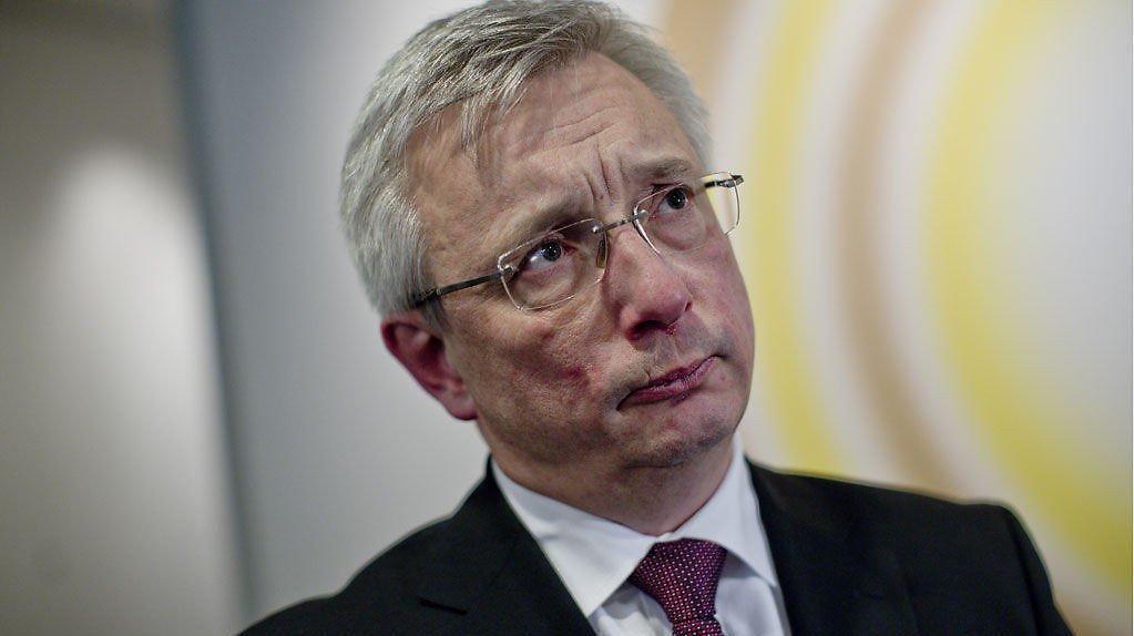 Eks-statsråd Karl Eirik Schjøtt-Pedersen mente Statsministerens kontor burde betale en privat studietur som ble avlyst.