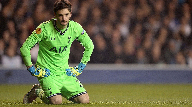 IKKE FORNØYD: Tottenham-keeper Hugo Lloris er lite fornøyd med Spurs' sesong.