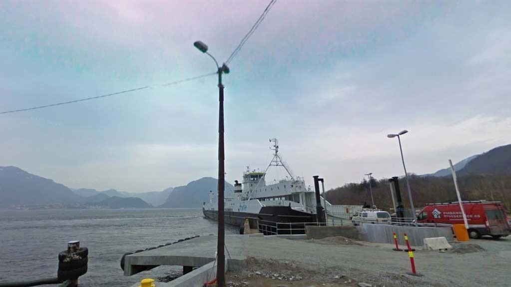 KAN HA VÆRT MED FERGA: Politiet etterlyser alle som tok Høgsfjordferga fra Oanes kai 16. april klokken 23.30 og klokken 17. april klokken 00.15.