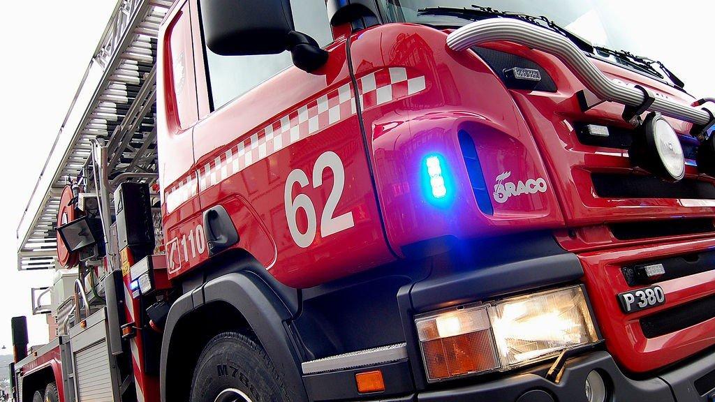 Brannvesenet rykket ut til brannen på Holmlia i Oslo.