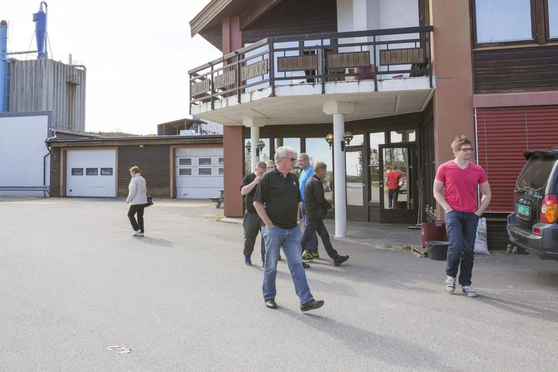 USIKKER FRAMTID: Torsdag ettermiddag fikk de ansatte beskjed om at arbeidsplassen deres på Arneberg legges ned.