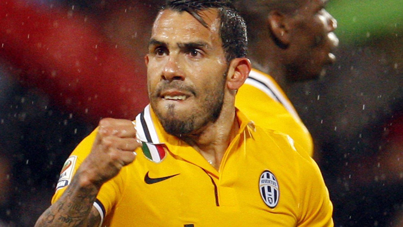 Juventus-spiller Carlos Tevez kommer med sleivspark til engelsk fotball.