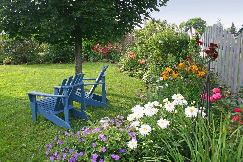 Skal du selge boligen din i sommer, bør du være klar over at det er hagen som gir førsteinntrykket av hele eiendommen.