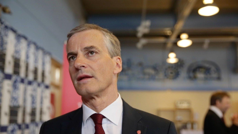 Jonas Gahr Støre holdt 1. mai-tale på Sjøvegan videregående skole i Troms. 14. juni overtar han trolig som leder for Arbeiderpartiet etter Jens Stoltenberg.