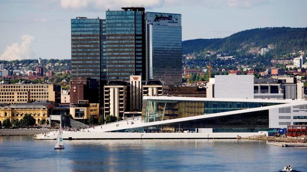 Byggeaktiviteten i Bjørvika gjør at grunnen synker raskere enn først antatt.