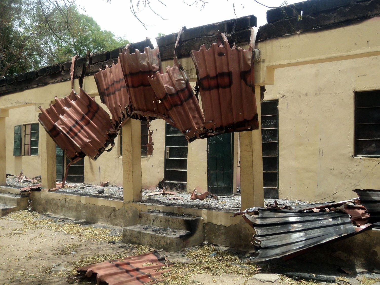 På denne videregående skolen i det nordlige Nigeria ble 230 jenter kidnappet av en islamistbevegelse i midten av april. Bygningen ble satt i fyr, og mesteparten av jentene er fortsatt savnet.