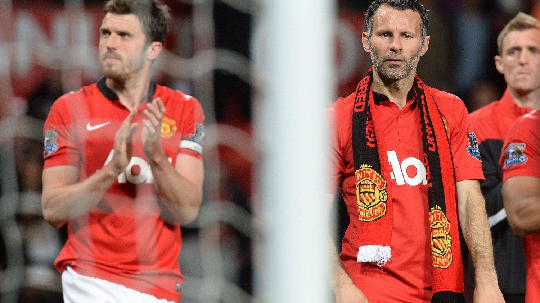 Ryan Giggs hevder han ikke har avklart framtiden i Manchester United, selv om veteranen tilsynelatende spilte sin avskjedskamp på Old Trafford tirsdag kveld.