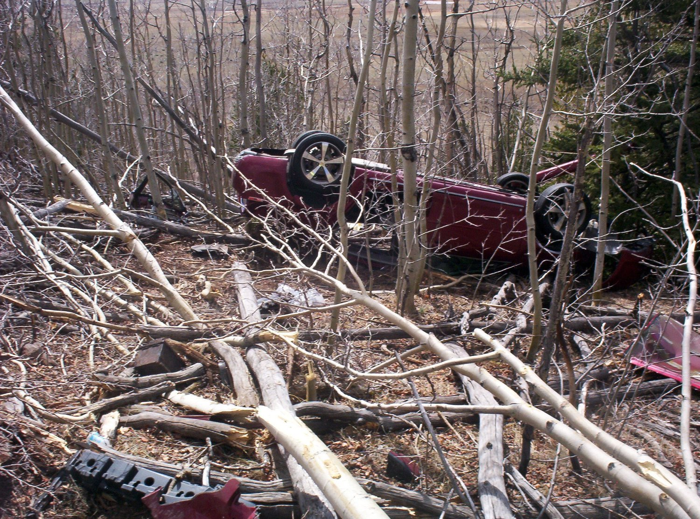 Den amerikanske kvinnen Kristin Hopkins (43) lå fastklemt i bilen sin i en uke før noen oppdaget henne.