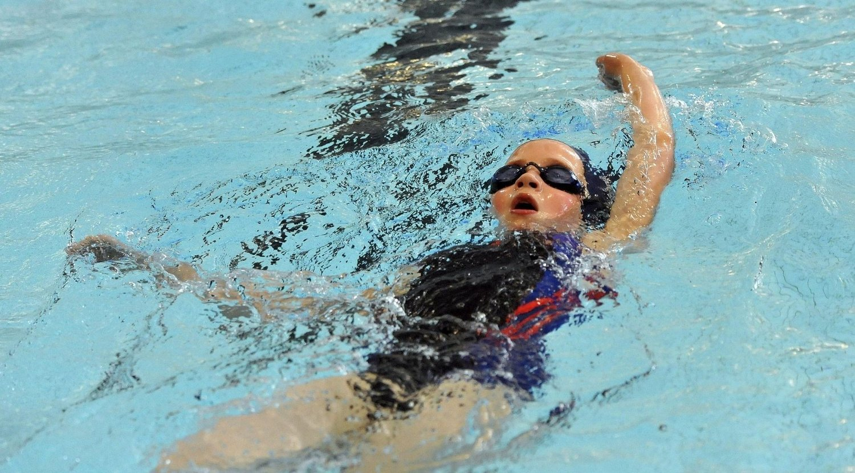 FØRSTE GANG: Anna Kristina Hovden svømte 200 meter rygg for første gang i helgen og fikk en bra tid. Alle Foto: Solfrid Therese Nordbakk