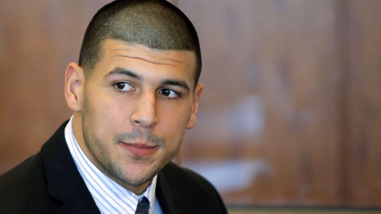 SIKTET: NFL-spilleren Aaron Herandez er siktet for å ha begått tre drap.