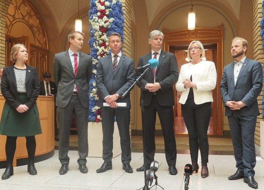 Alle opposisjonspartiene går sammen mot Høyre/Frp-regjeringen.
