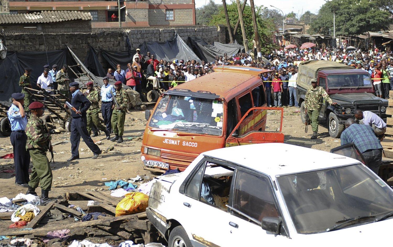 Minst ti ble drept i eksplosjonen på et marked i Nairobi.