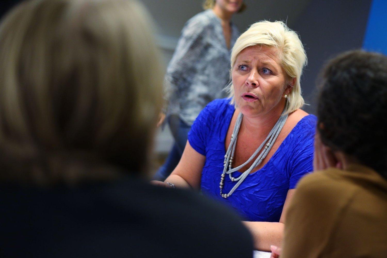 Finansminister og Frp-leder Siv Jensen under partiets pressekonferanse i Oslo onsdag.