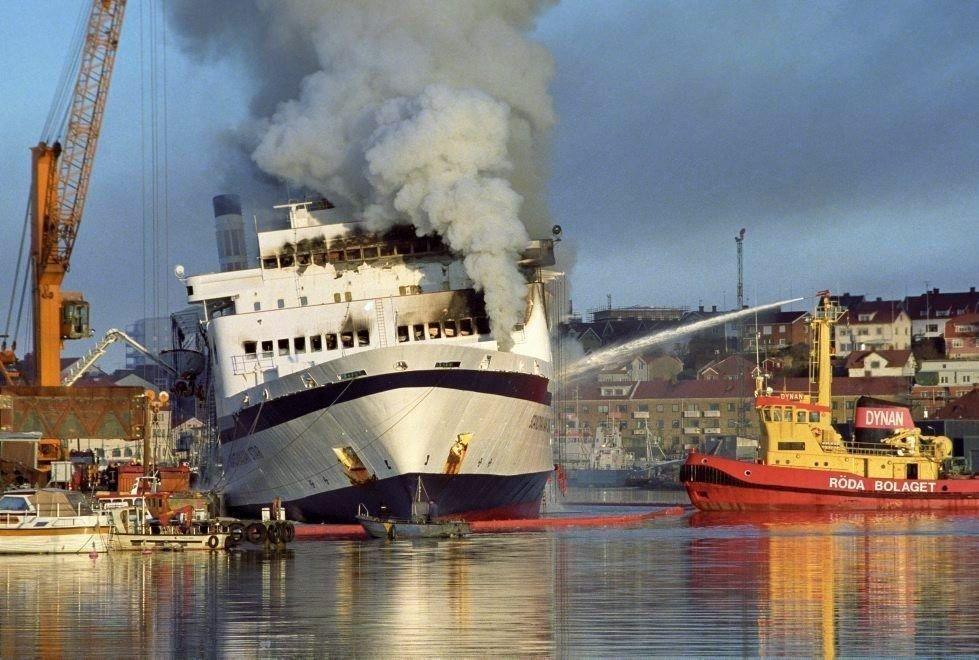 Ferja Scandinavian Star ble satt inn på ruten Oslo - Frederikshavn 6. april 1990. På den første turen brøt det ut brann. 159 personer omkom, de fleste var nordmenn.