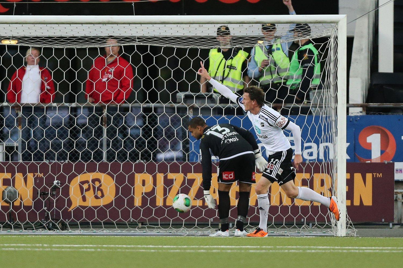 SCORET TO: Frode Johnsen scoret to mål i cupkampen mot Vålerenga.