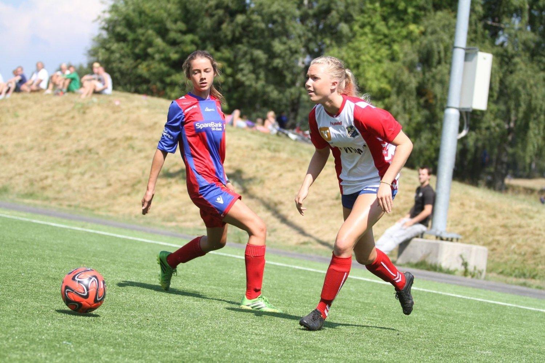 LEKESTUE: Tiril Haga og Lyn har 24-0 i målforskjell på de to første kampene i Norway Cup.