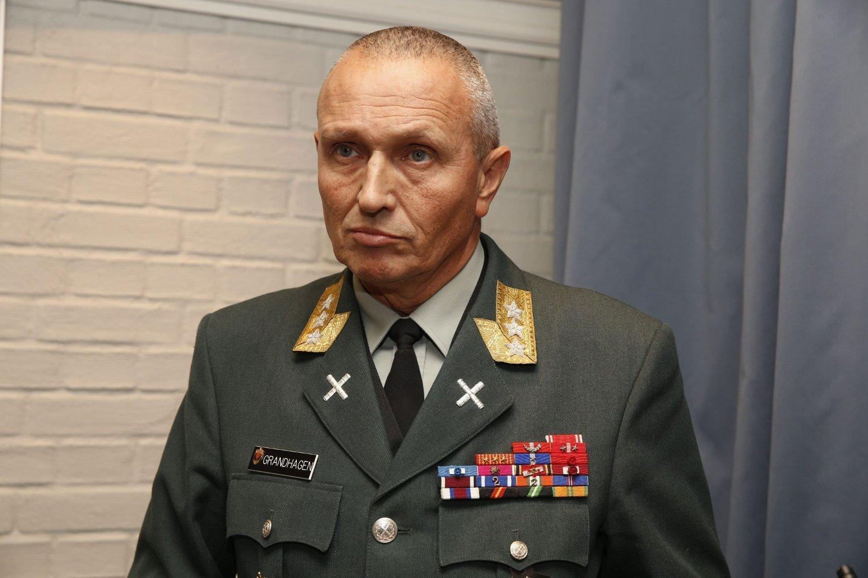 E-SJEF: Sjef for Etterretningstjenesten, generalløytnant Kjell Grandhagen.