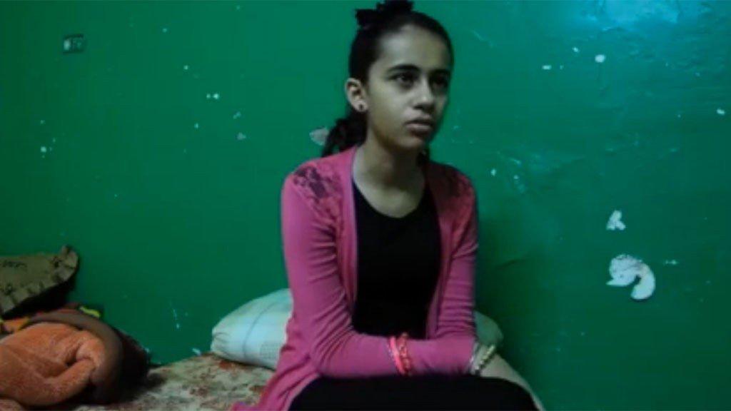 NEDA I JORDAN: Kari Gellein og Tine Poppe møtte Neda og familien i Jordan, sju måneder etter tvangsutsendelsen. Bildet er fra dette besøket.