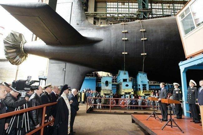 NÆRT NORGE: Ubåten Severodvinsk, som har fått navn fra byen og verftet i Nord-Russland, utplasseres under seks mil fra norskegrensen.