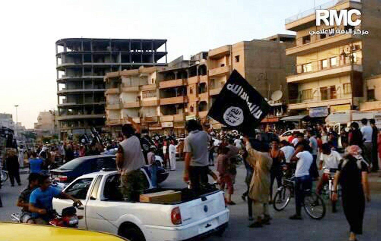 USA er offisielt i krig med IS, men vil ikke samarbeide med Iran eller Syria mot gruppen.