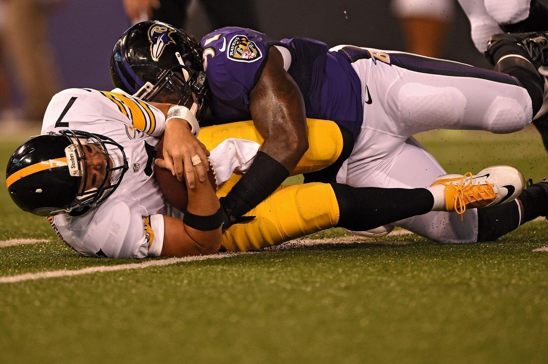 BEINTØFT: En rekke spillere i NFL pådrar seg skader de må leve med rsten av livet.