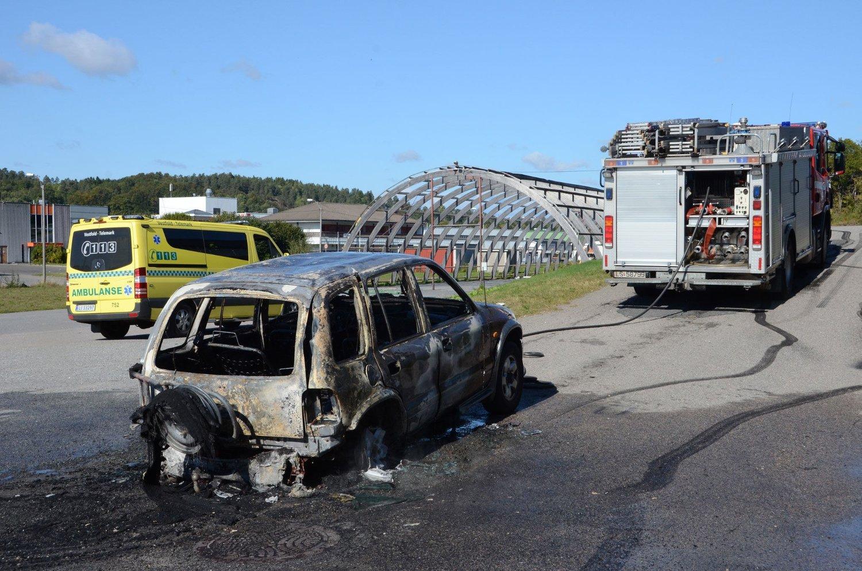 Ifølge politiet i Vestfold var det en 33 år gammel mann fra Nøtterøy som hadde kjørt bilen, og han hadde «burnet» rundt på stedet til bilen begynte å brenne.