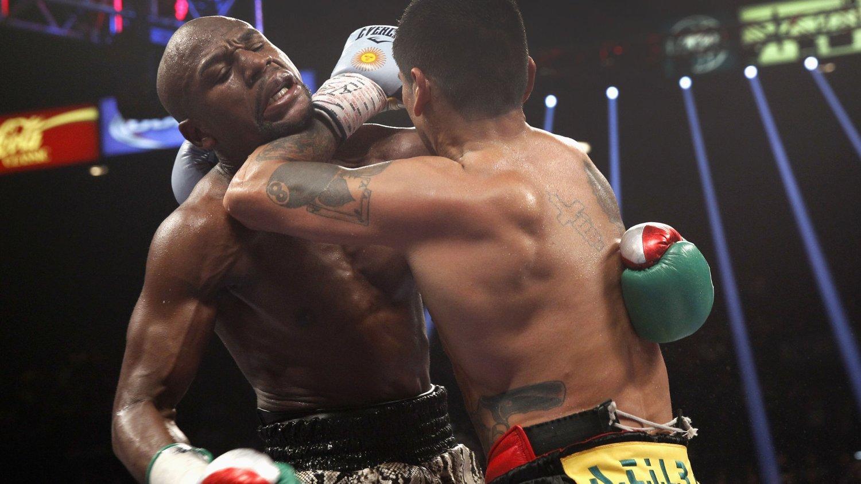 Den amerikanske bokseren Floyd Mayweather vant natt til søndag returmøtet med argentinske Marcos Maidana.