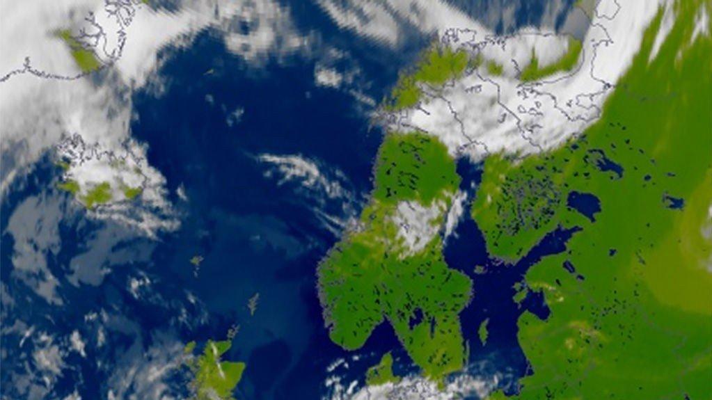 Et høytrykk over Sør-Norge får tak i nord også, og vi ligger an til varmt og fint vær en god stund fremover.
