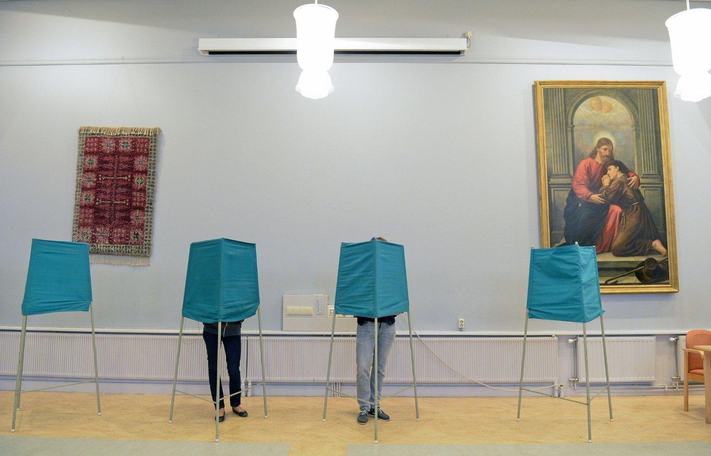 Gjennom søndagen skal flere valglokaler i Sør-Sverige ha blitt angrepet av svenske nasjonalister fra grupperingen Svenska motståndsrörelsens. Dette bildet er ment som en illustrasjon.