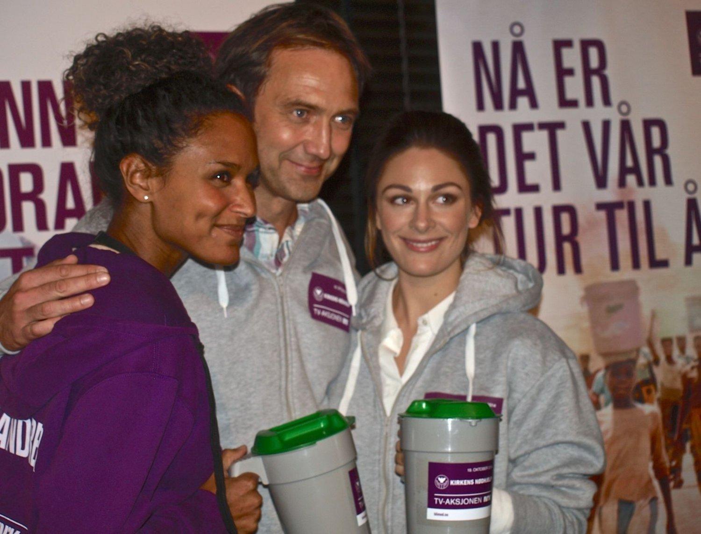 Haddy N'jie og Jan Petter Saltvedt skal være programledere, mens Jenny Skavlan er auksjonarius.