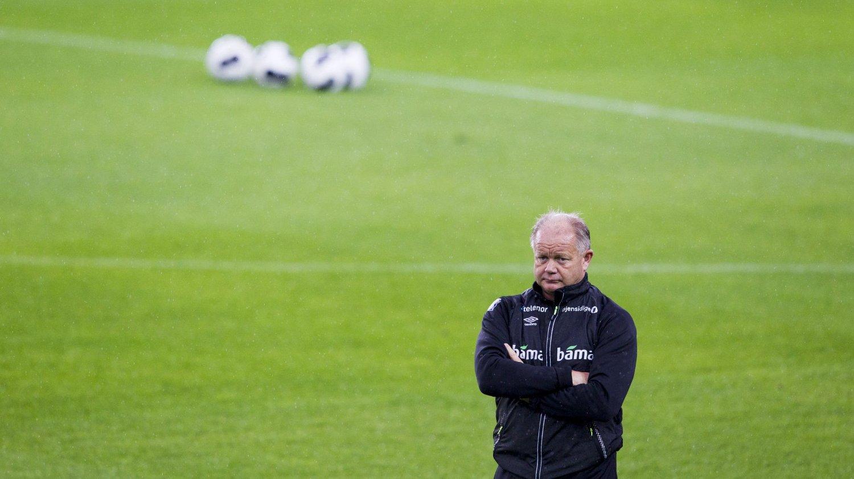 Tirsdagens trening på Ullevaal stadion forsterker antakelsen om at Per-Mathias Høgmo vil sende landslaget på banen i 4-4-2-formasjon i EM-kvalifiseringen mot Malta fredag.