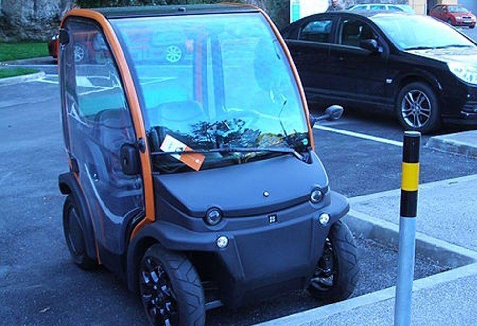 DONING: 81-åringen fyllekjørte en lignende mopedbil som er vist på dette bildet. Commons