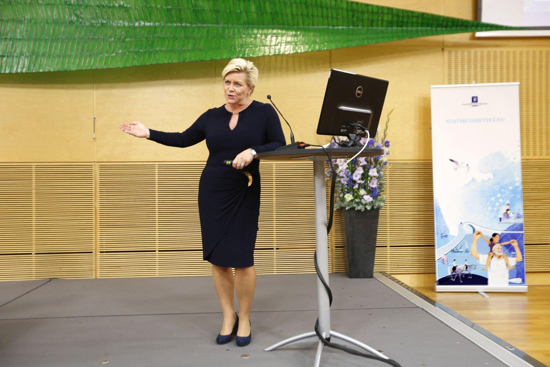 Regjeringen med Siv Jensen i spissen foreslår lavere skatt på lønn.