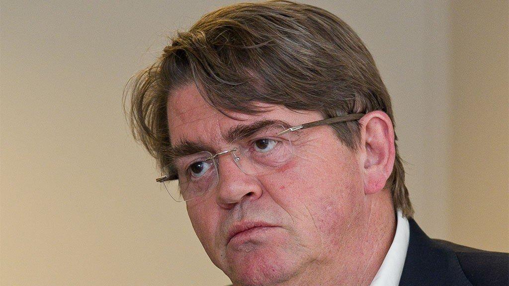 Jan Petter Sissener mener Siv Jensen er fryktelig optimistisk på inntektssidens vegne.
