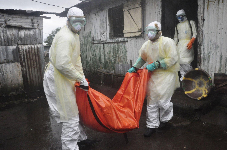 Nesten 3.900 mennesker er nå døde i det verste ebolautbruddet noensinne. Det er ingen tegn til at epidemien er i ferd med å komme under kontroll, opplyser Verdens helseorganisasjon (WHO).