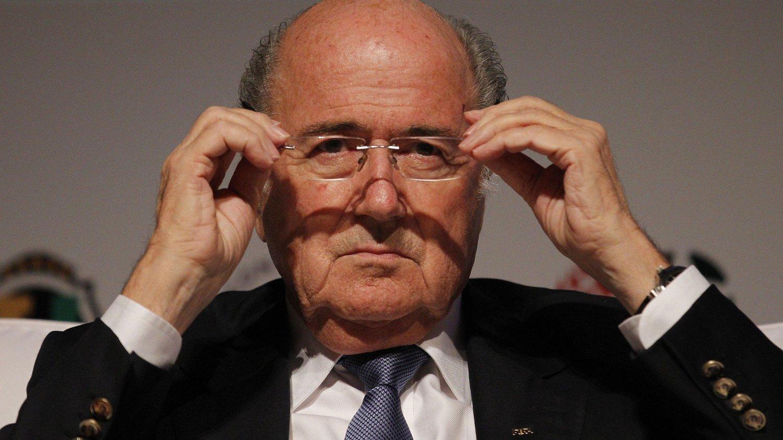 NYE TIDER: Sepp Blatter vil fjerne bortemålsregelen i fotball.