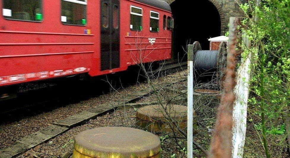 Den lange og smale Ulrikstunnelen mangler rømningsveier. Brannvesenet sier det er den mest utfordrende i bergensområdet.