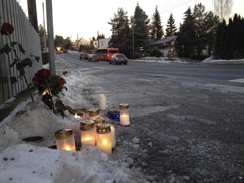 ULYKKESSTEDET:12. desember 2013 døde en kvinne etter å ha blitt påkjørt her i Enebakkveien. Dette bildet er tatt morgenen etter.