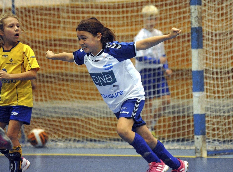 SÅÅÅÅ GLAD: Rebecka Ibanez Roald slo seg løs full jubel da hun scoret. Alle Foto: Solfrid Therese Nordbakk