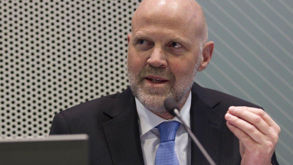 Morten Baltzersen og Finanstilsynet aner mørke skyer på himmelen.